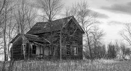 Ghosts of the Northern Plains: Abandoned Farmhouse